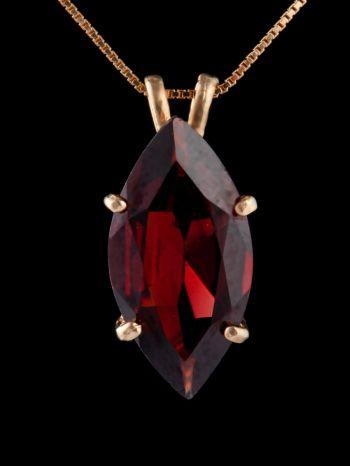 Garnet 14K Gold pendant
