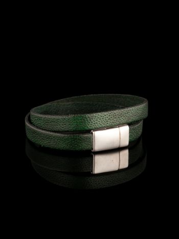 Green leather necklace/bracelet with magnet