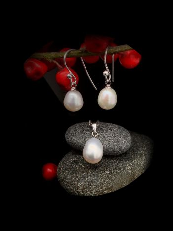 White pearl silver set with 45cm silver chain