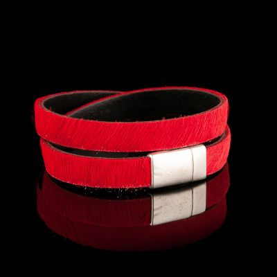 Red leather bracelet/necklace with magnet